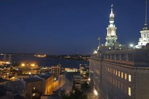 vue du Grand Séminaire et basse-ville la nuit